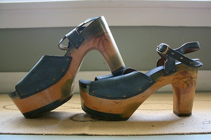 DEADSTOCK - ONE OF A KIND Solid Wood and Leather 1970's Hand Painted Platform Sandals High Heels - Exotic Sunset Beach Scene - Excellent Condition - Size 9