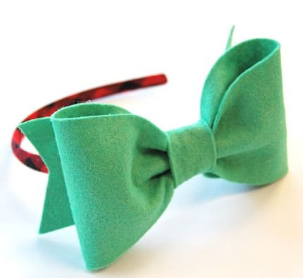 Simone's big bow headband