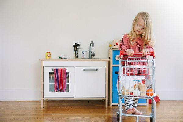 Keeping things fun in the kitchen bleubird blog - Ikea cocina infantil ...