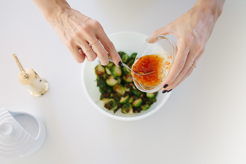 ROASTED BRUSSEL SPROUTS WITH SWEET CHILI - BLEUBIRD BLOG